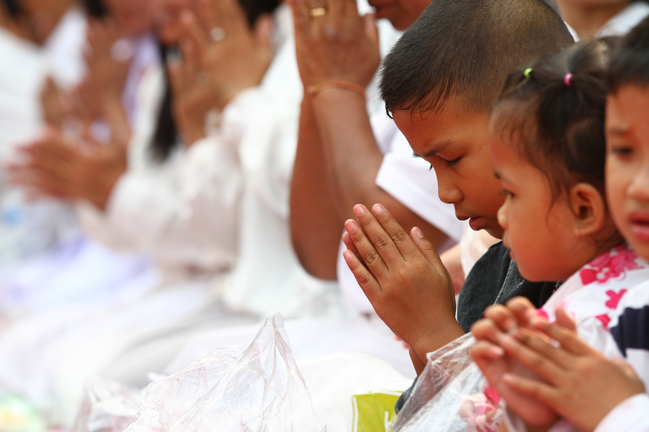 ¿Como enseñarle a los hijos a orar?