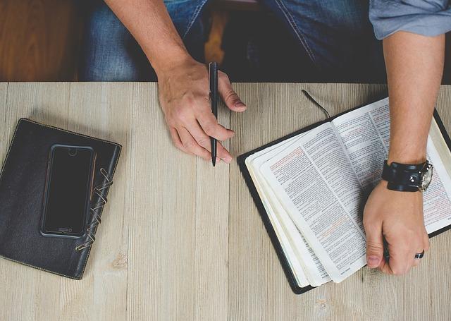 La diferencia entre creer en Dios y vivir para Él